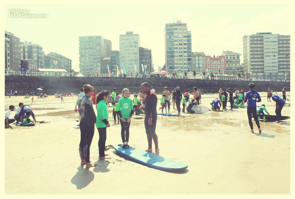 Lucas García Surf apoyando en las III Jornadas del Surf Solidario de Gijón